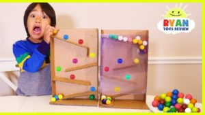 DIY Gumball Dispenser out of Cardboard at Home