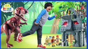 Ryan explores the SECRETS of the HIDDEN TEMPLE in a Pretend Play Challenge!