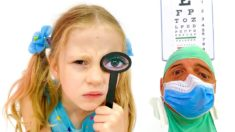 Настя и песенка для детей про Доктора