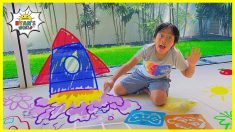 Ryan plays with Chalk and it comes ALIVE!!!